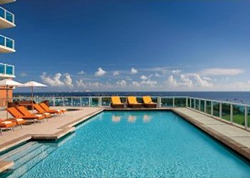 Sonesta Coconut Grove Pool