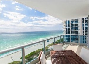 Miami Beach Vacation Rentals and Apartments: The Montecarlo