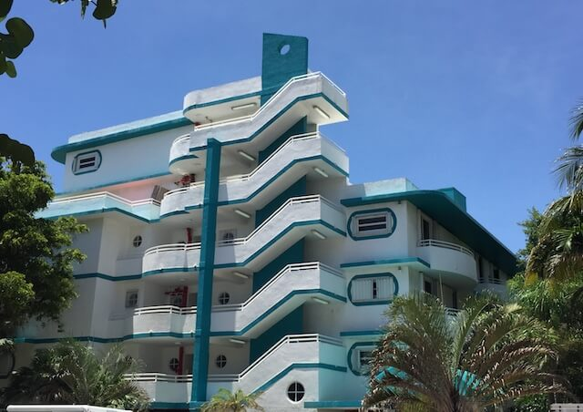 MiMo Architecture in Surfside