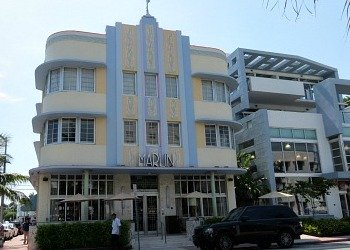 Art Deco District Buildings: Washington and Collins Avenue