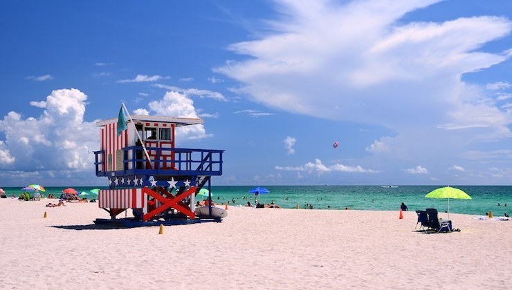 Ocean Drive Hotels: 4th of July Beach Lifeguard Tower