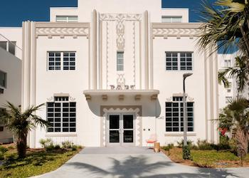 South Beach Art Deco Hotels: Washington Park