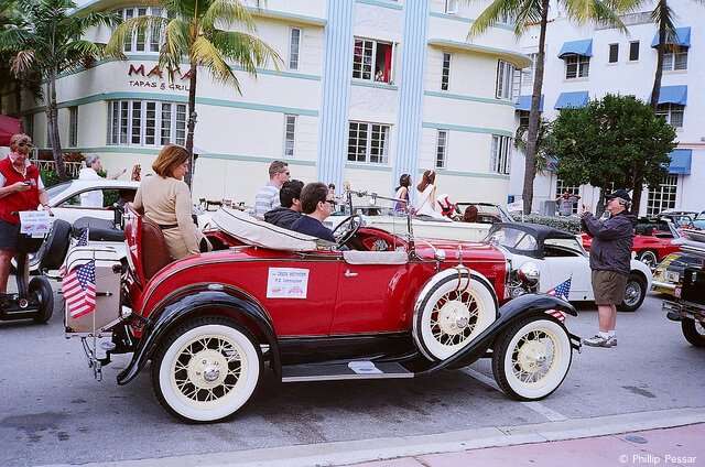 Art Deco Classic Car Parade