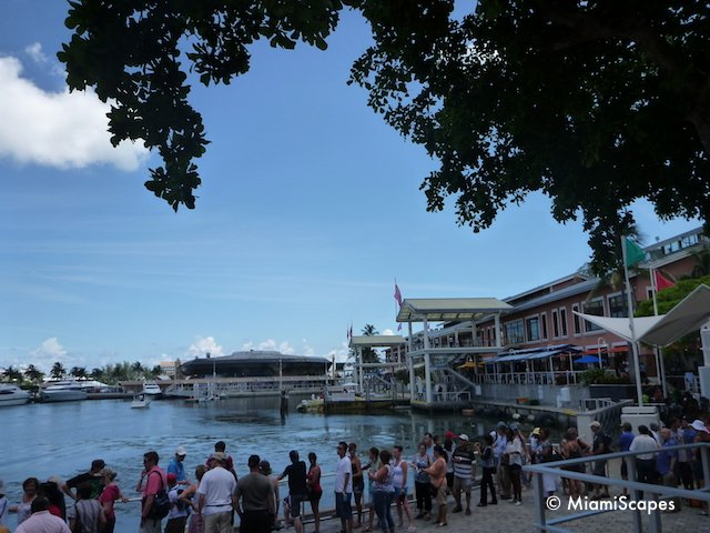 Waterfront Cafes  at Bayside