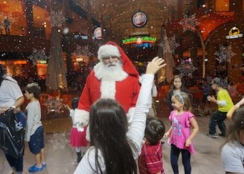 Christmas Magical Snow at Dolphin Mall