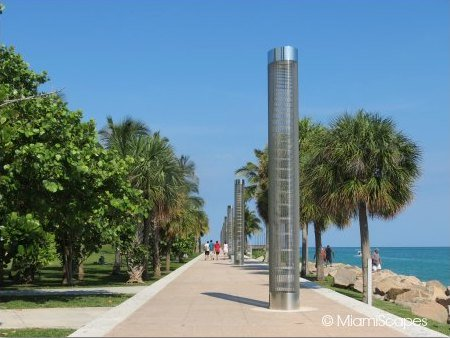 The cutwalk at South Pointe Park and the start of the Miami Beach Walk