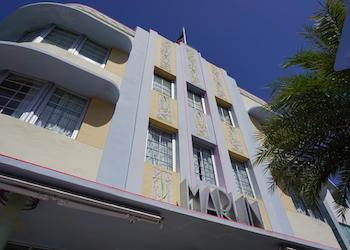 South Beach Hotels: Art Deco the Marlin